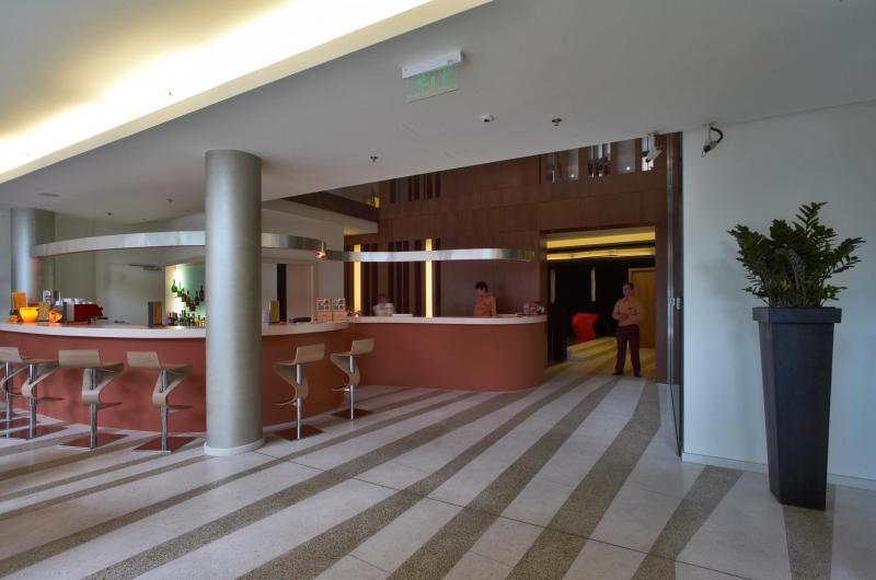 L nch d 19 design hotel budapest hazai k z p letek for Designhotel 21