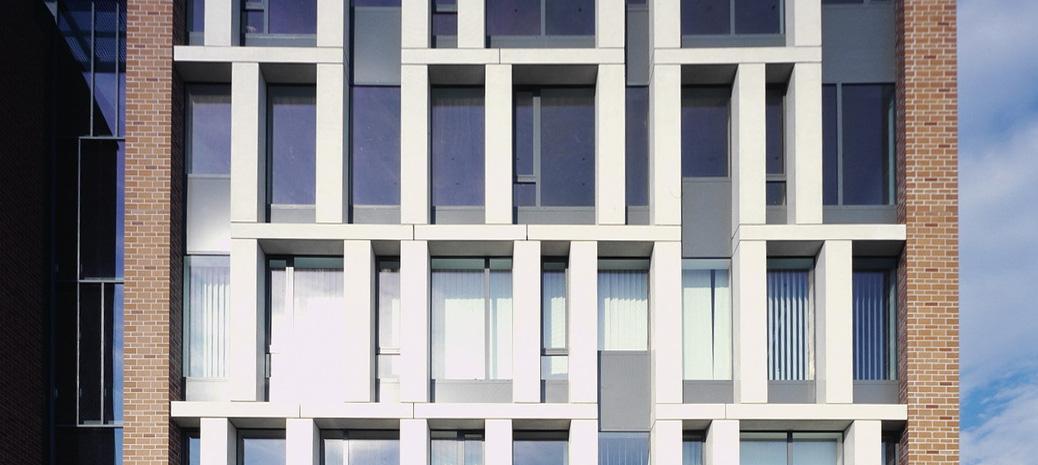 00 C épület