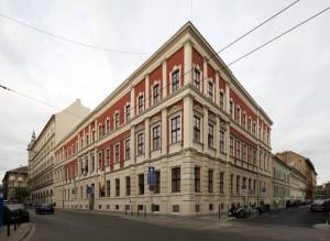 © Oravecz István