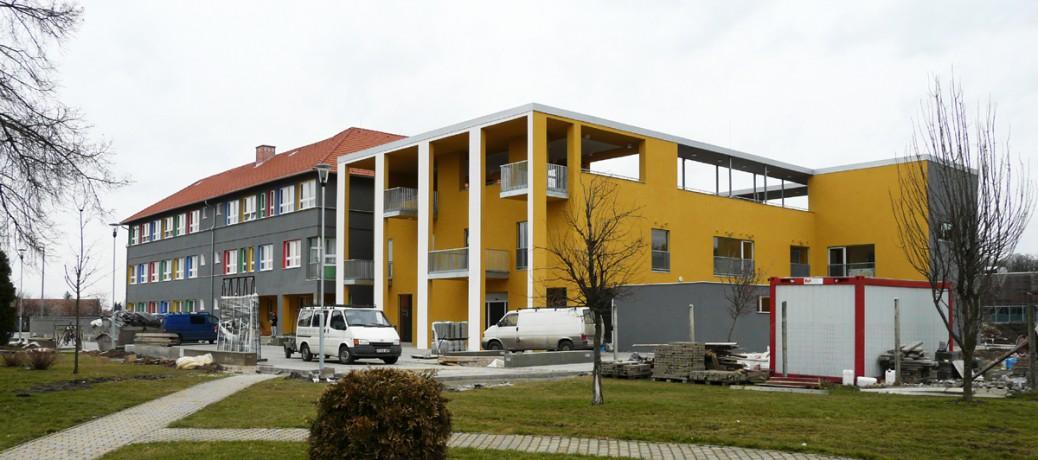 Weöres Sándor Általános Iskola bővítése - Gelse